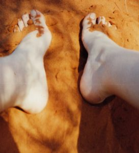 my-feet-in-the-desert_2